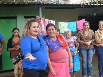 Jóvenes solidarios en El Salvador