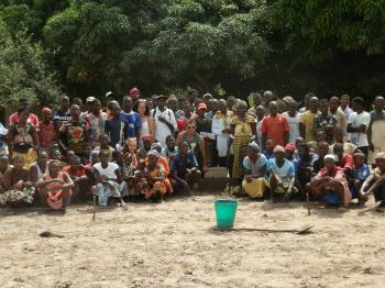 Jóvenes solidarios en África